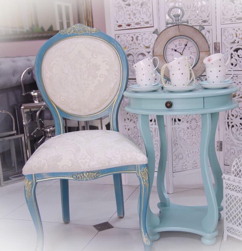 Konzola Elizabet i stolica KŠ kruna