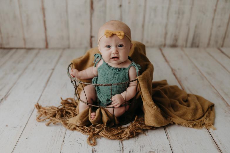 sun prairie baby photographer
