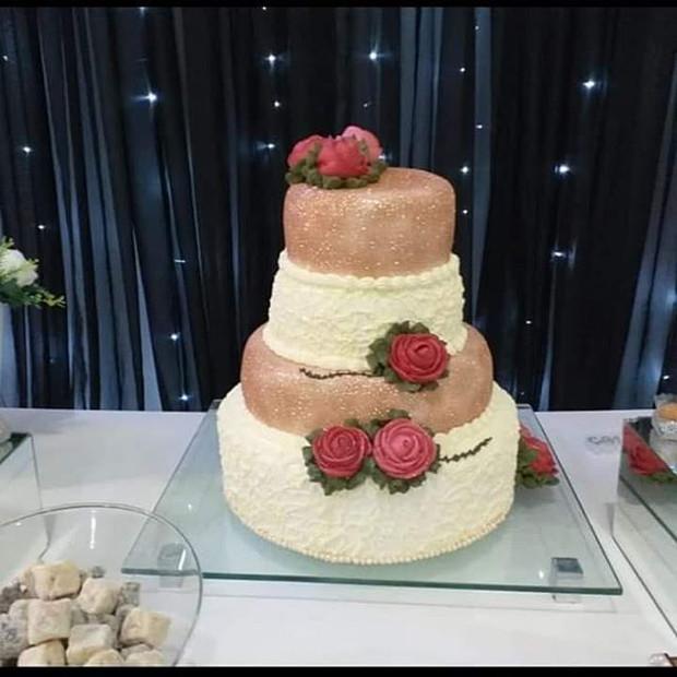 Lindo bolo de casamento🤗