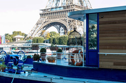 Boat Living in Paris
