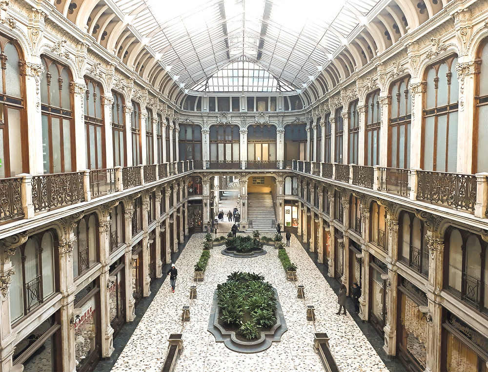 Galleria Subalpina, Turin. Photo by Leif Järvinen on Unsplash