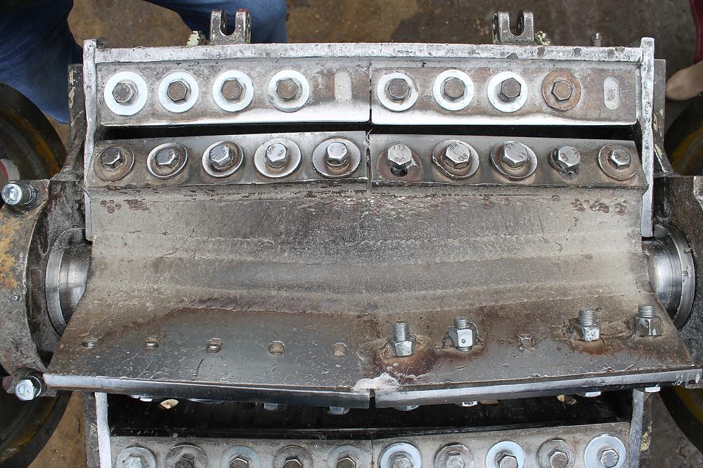 на фото видно деформацию ротора дробилки