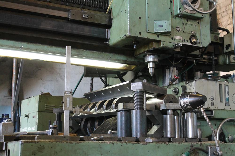 фрезеруем новые шпоночные пазы на вале ротора