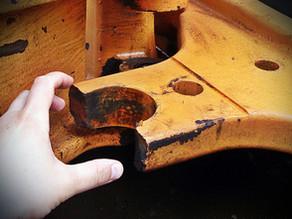 Ремонт сломанной проушины каретки экскаватора-погрузчика