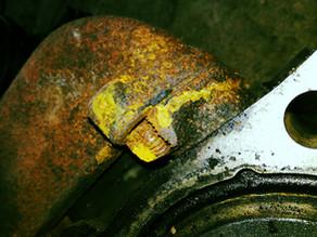 Ремонт резьбовых соединений на блоке цилиндров двигателя
