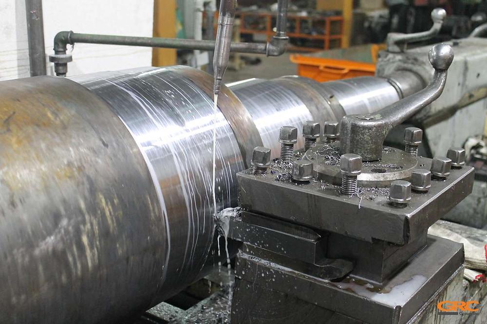Токарный станок ДИП-500 - обработка вала дробилки