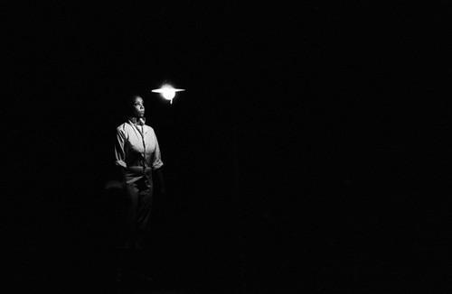 """Awilda Sterling en el concierto """"Calígula"""", de Francis Schwartz, bajo la dirección de Nelson Rivera, en el Teatro de la UPR, abril, 1989"""