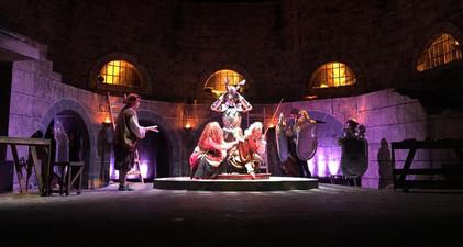 Diseño de escenografía para Man of La Mancha (Teatro Repertorio UPR)