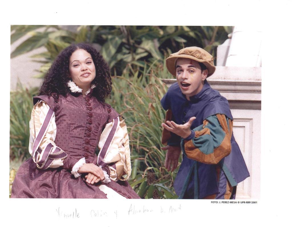 Yinoelle Colón como Viola