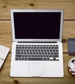 home-office-336378.jpg