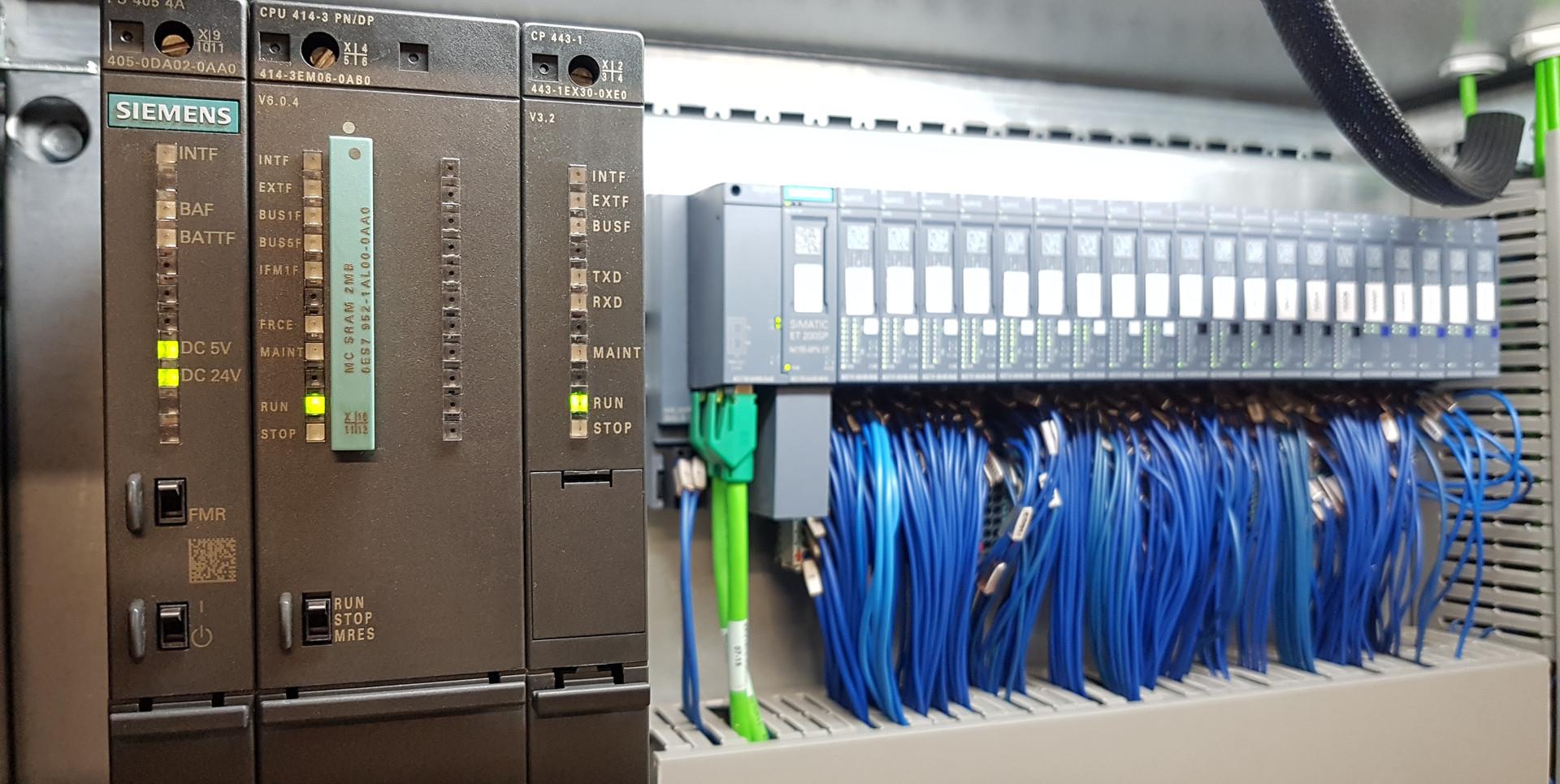 Siemens S7-400 PLC met ET200SP Remote IO