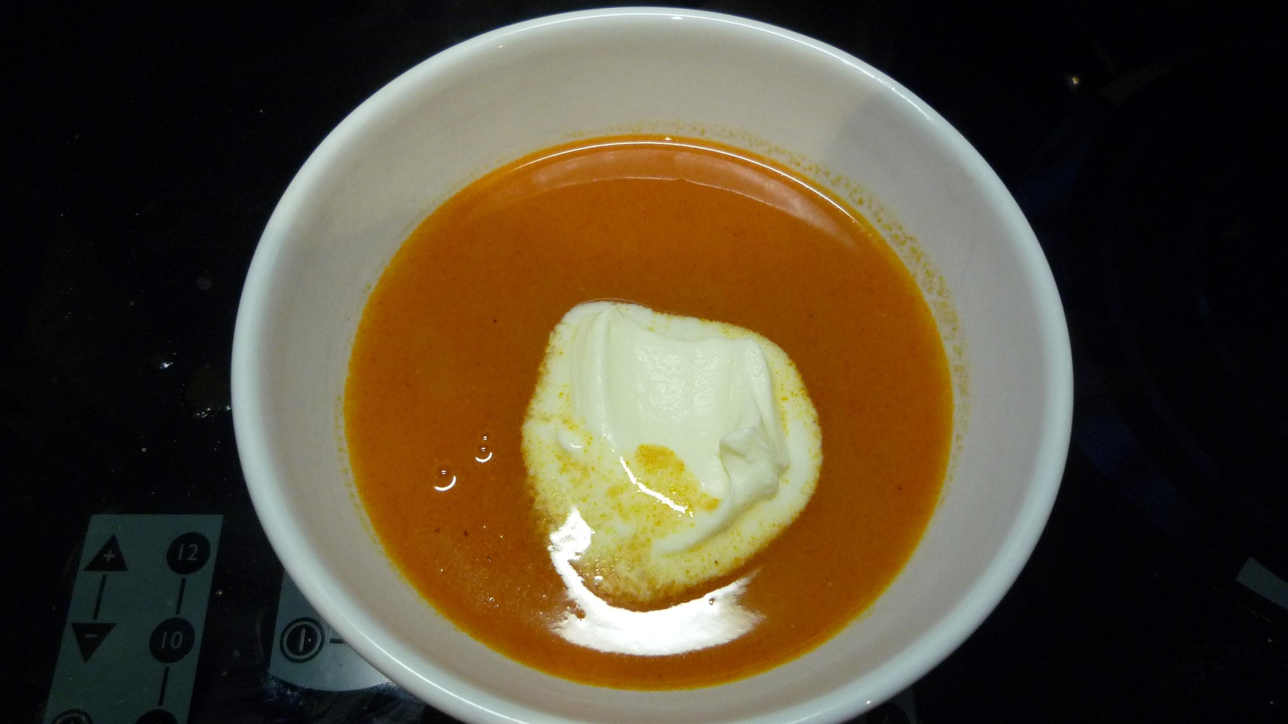 Tomaten-Ingwer-Cappuccino