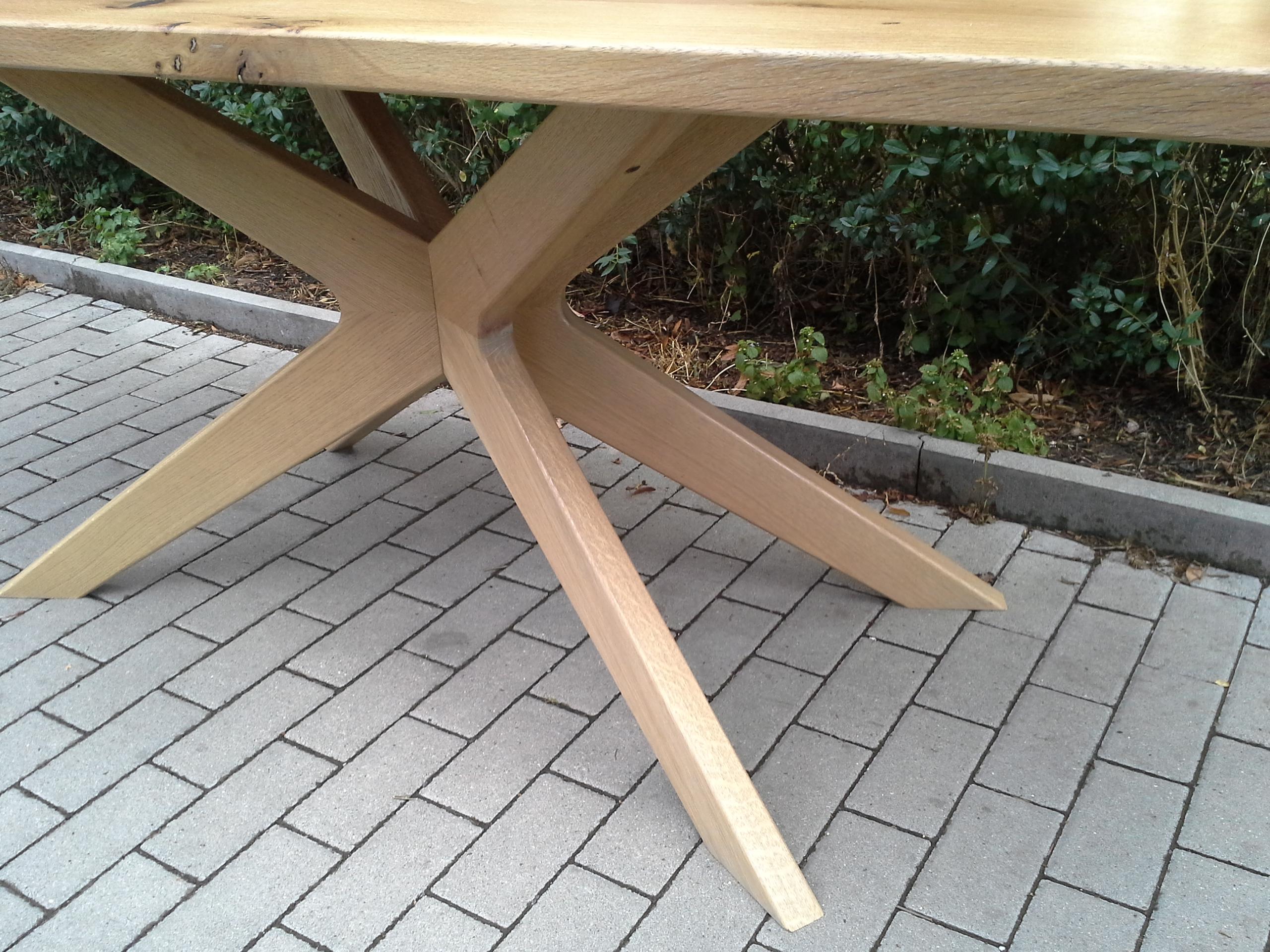 Stůl Kolín detail