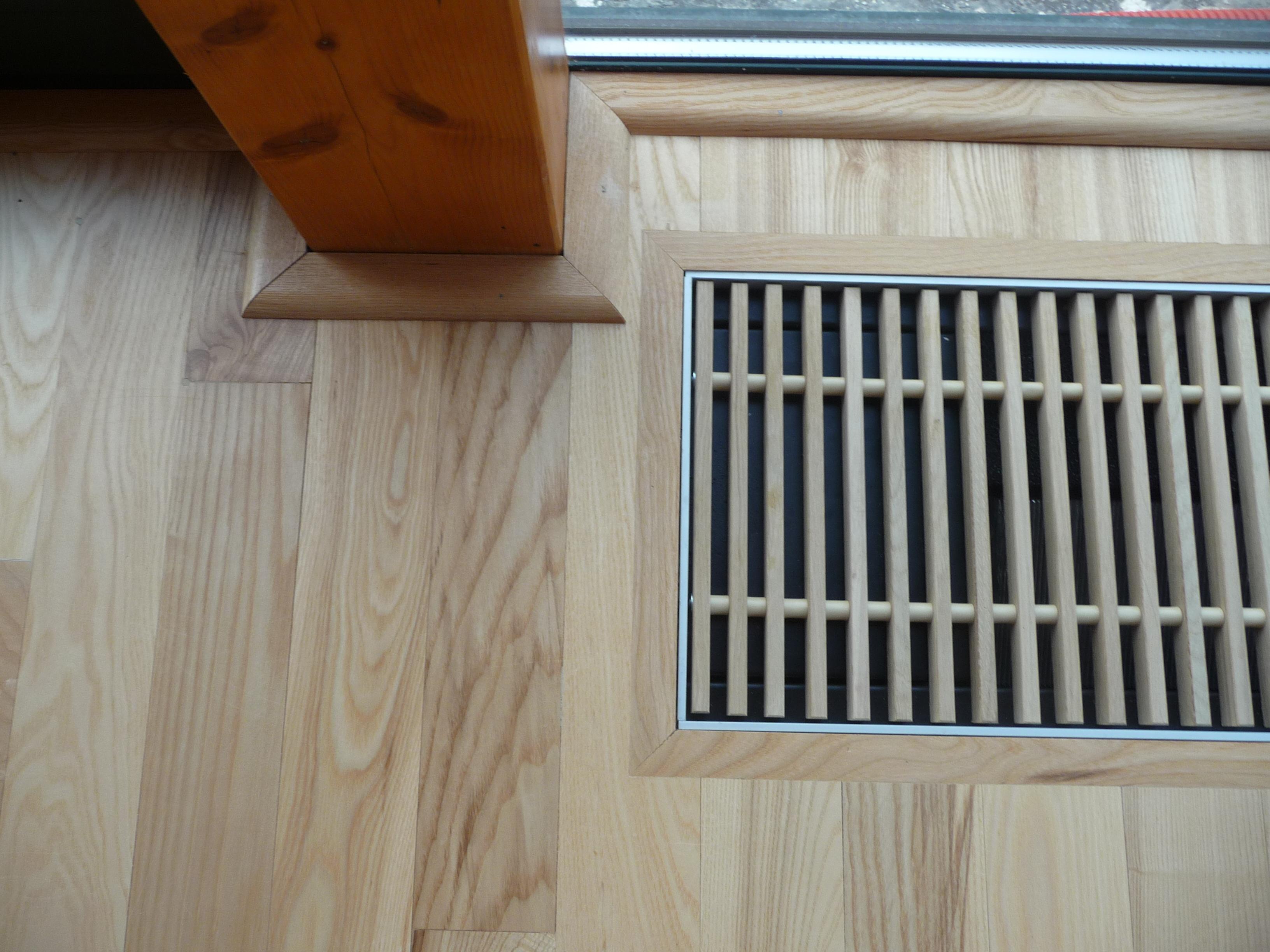 Intarzované ukončení podlahy konvektor