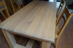 Dubový stůl bílý ole