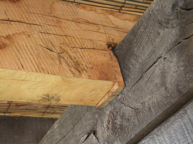 Kde dřevo nestačí,tam se odřezky natlačí