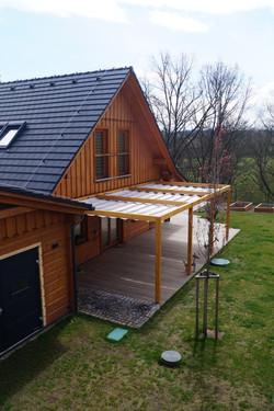 Dřevěná pergola moderního designu bez pásků a zavětrování Náchod