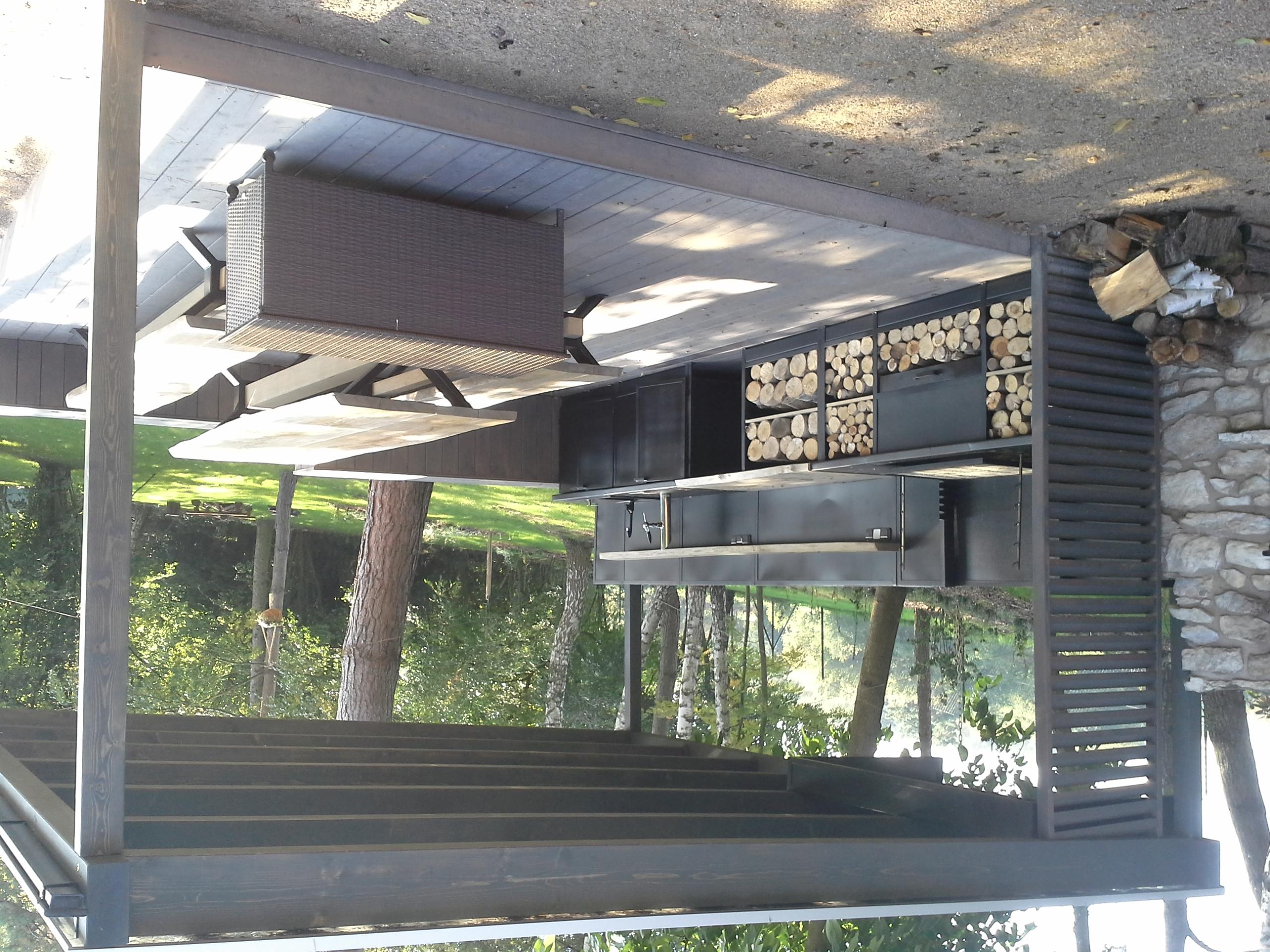 Ocelová letní kuchyně