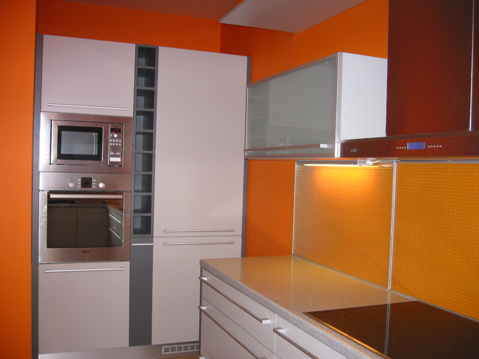 Moderní kuchyně Praha bílá