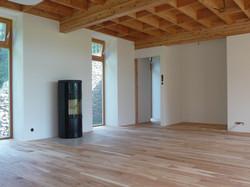 Jasanová podlaha a trámový strop