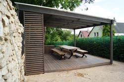 Dřevěná letní kuchyně