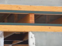 Detail zhlaví stropních trámů