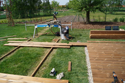 Příprava na montáž dřevěné terasy