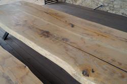 Šedá patina neopracovaného dřeva