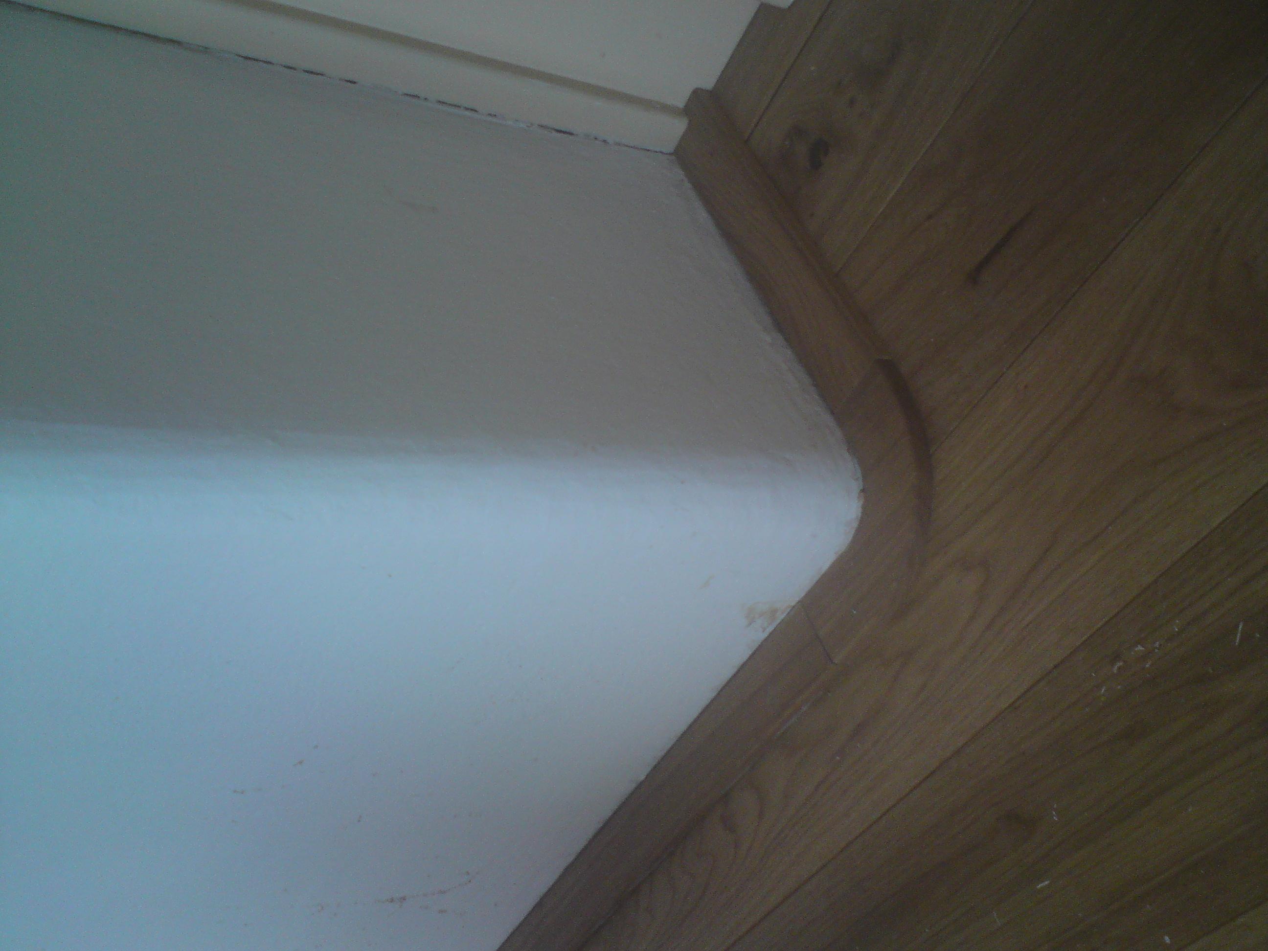 Lištování kulatých rohů podlahy