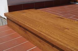 Obložení betonových schodů z podlahy