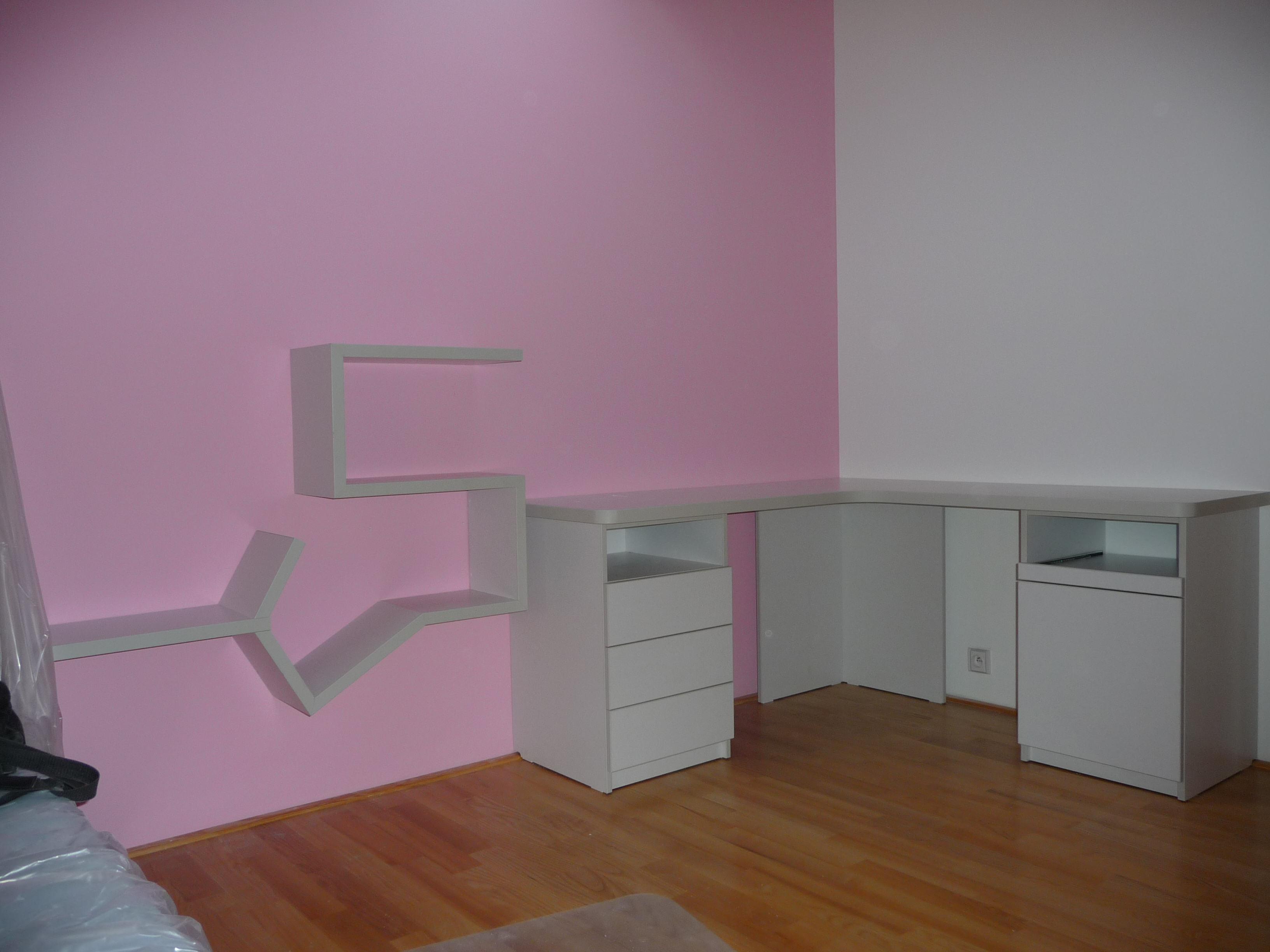 Dětský pokoj stůl