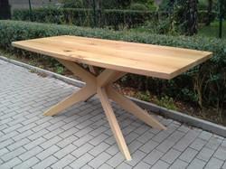 Stůl ježek 7
