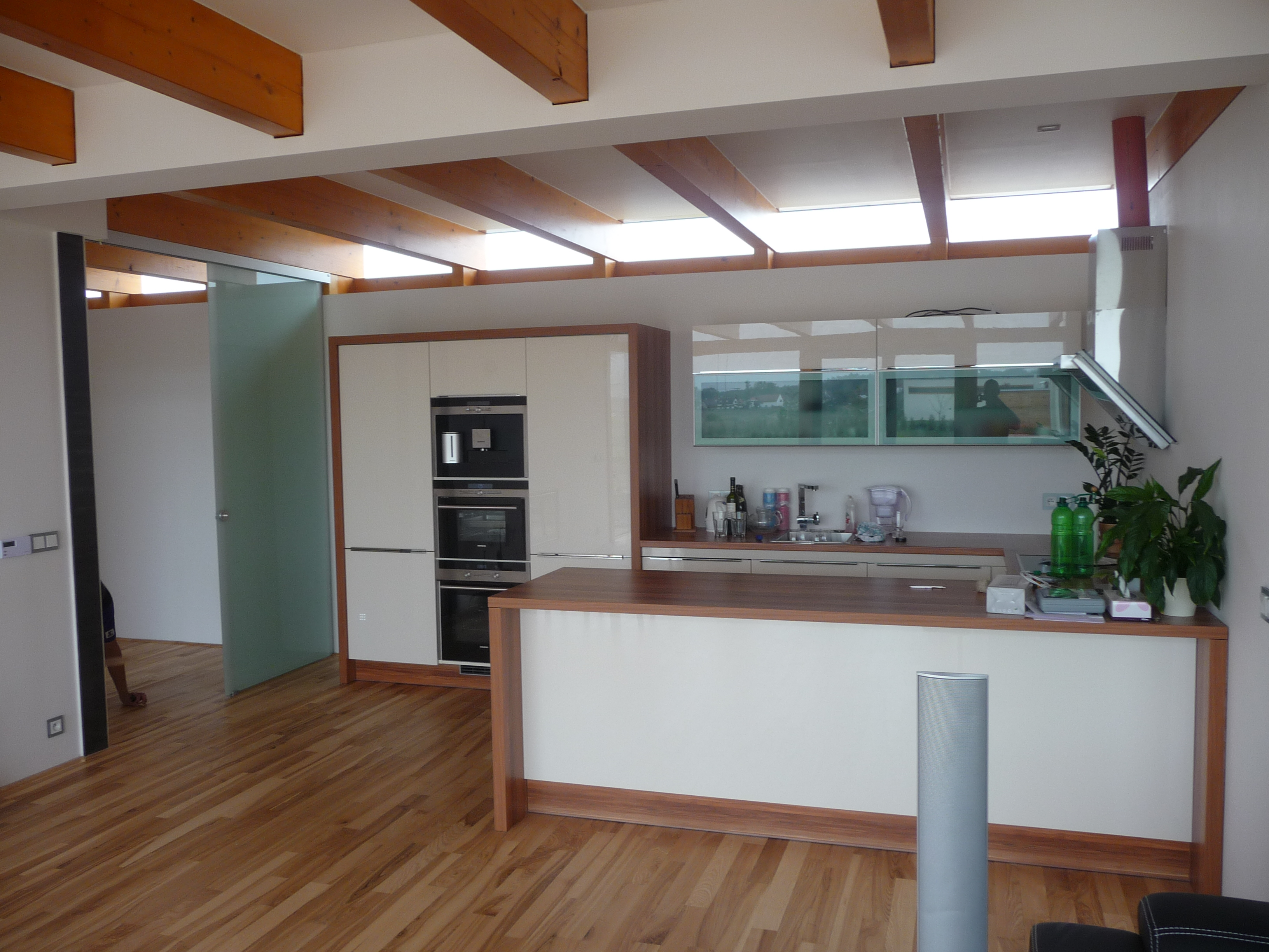 Jasanová podlaha olejovaná v kuchyni