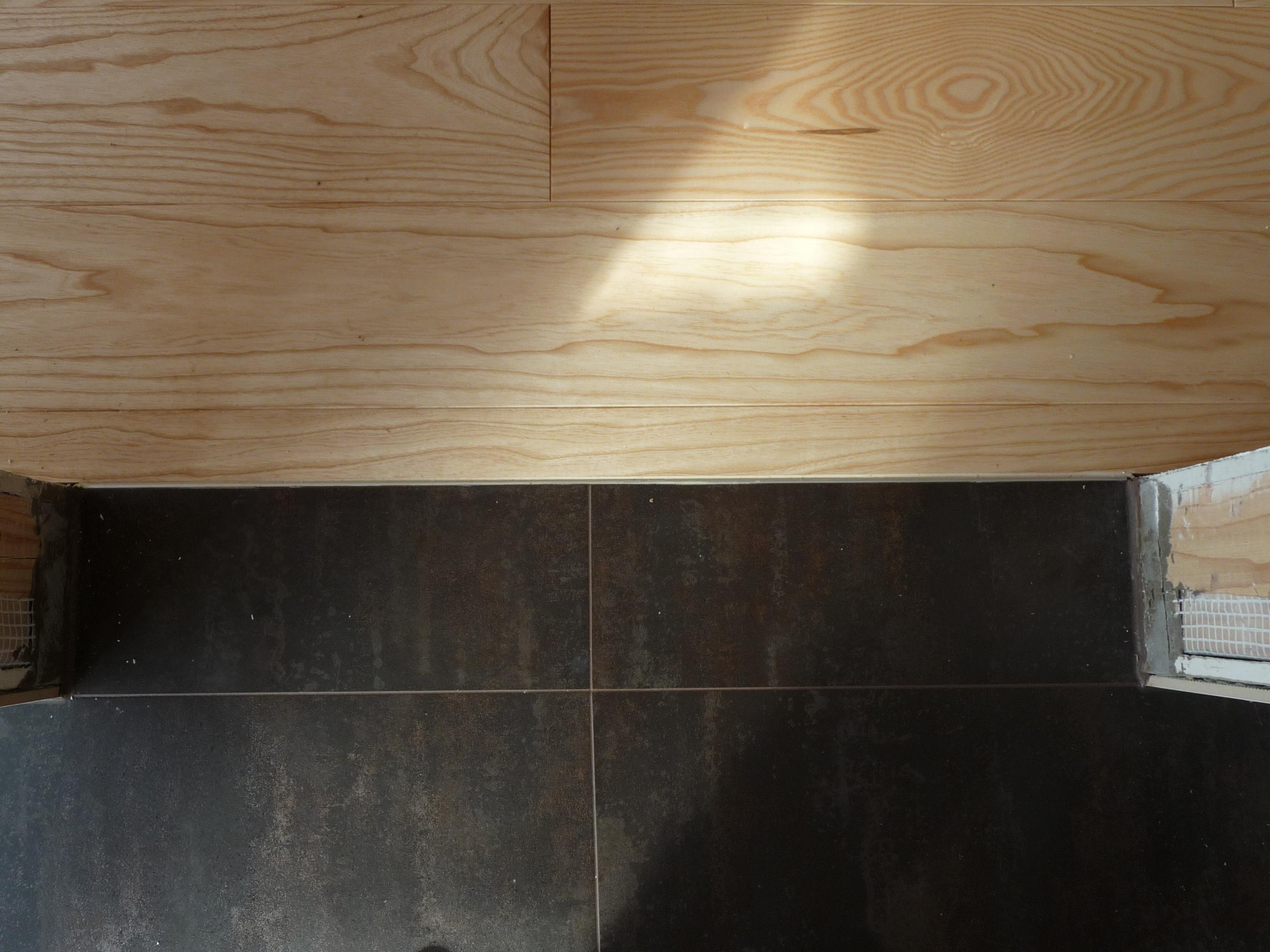 Ukončení podlahy masiv-dlažba