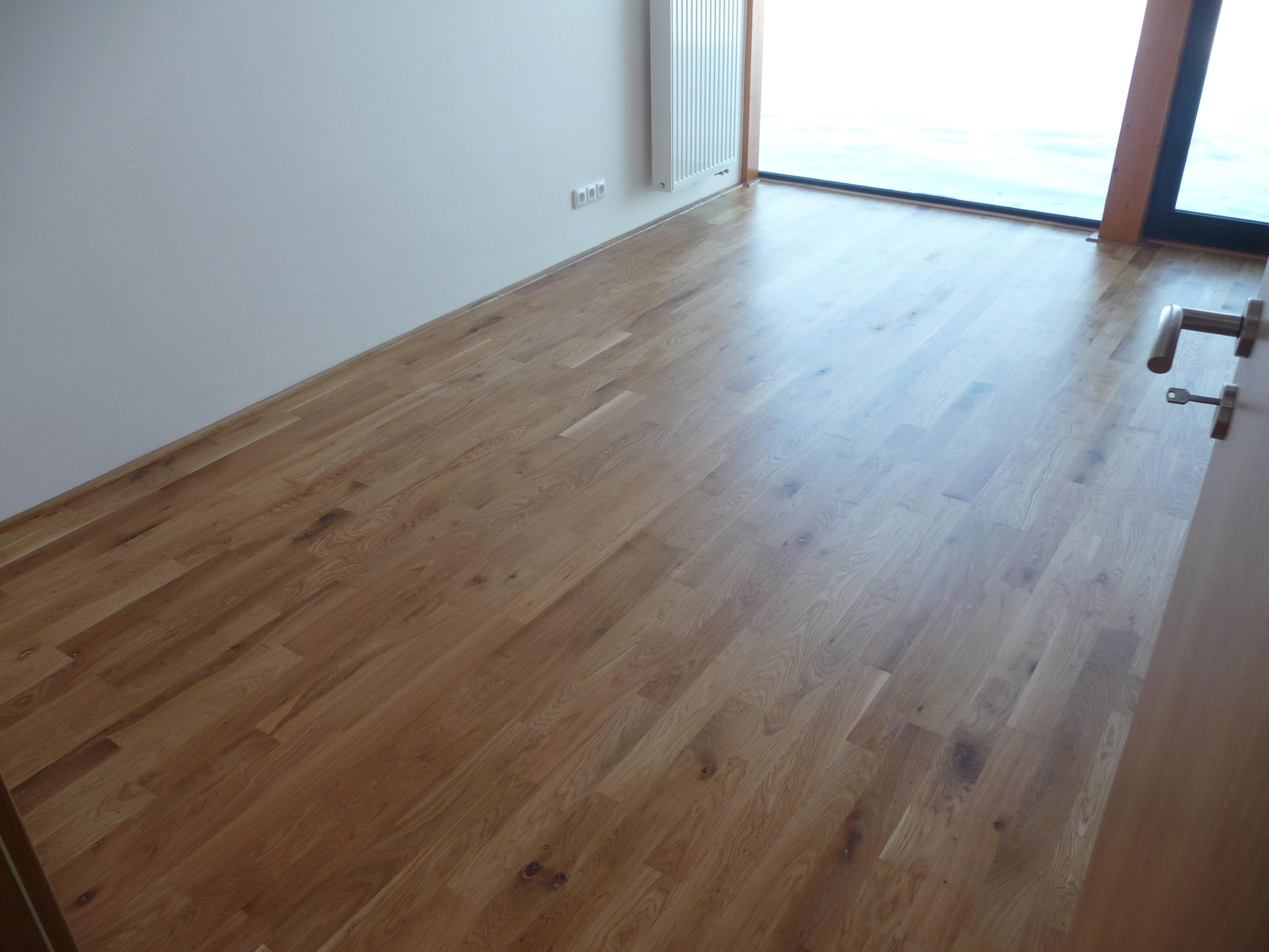 Nymburk masivní podlaha
