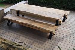 Stůl a lavice z masivního dubu