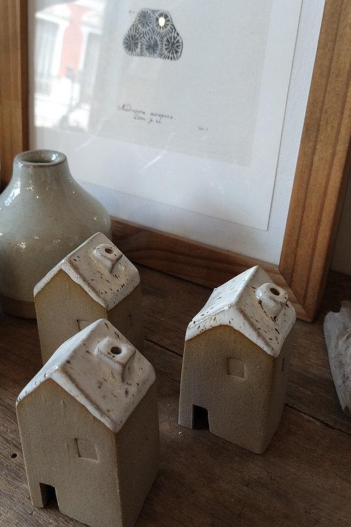 Casita sahumadora de ceramica