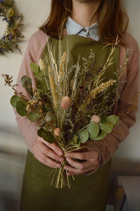 ramo decorativo de flores secas