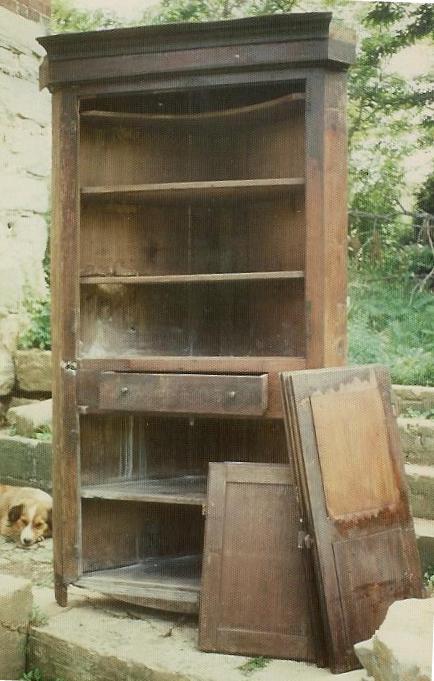 Old+Corner+Cabinet+Unrestored.jpg