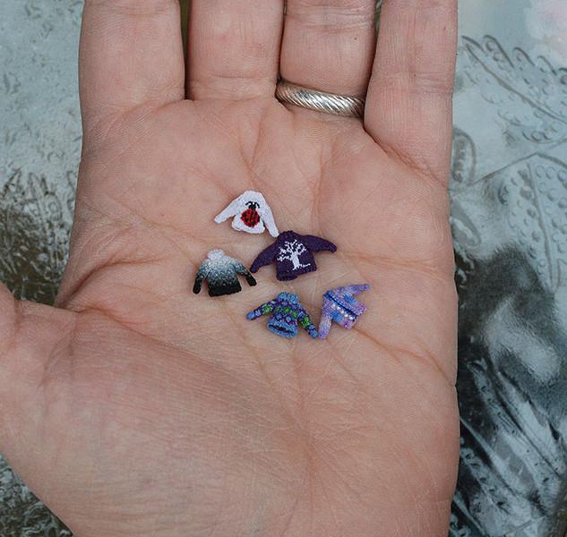Micro Mini handfull