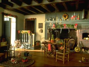 Twin Manors, kitchen at Christmas