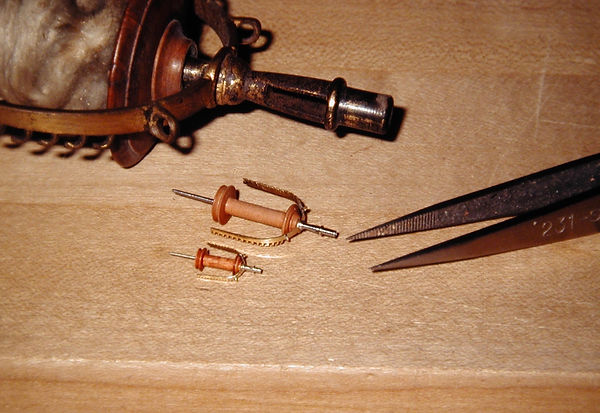 sw58  French spinning wheel, note rectan