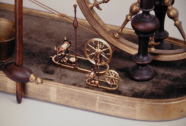 sw67  French spinning wheel, finished wh