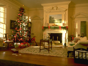 Twin Manors, drawing room at Christmas