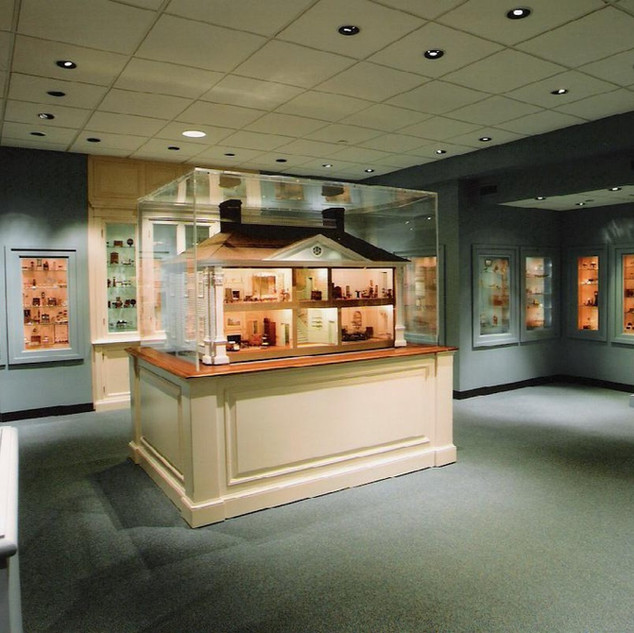 Design, National Museum of Toys and Miniatures, KCMO., 2003