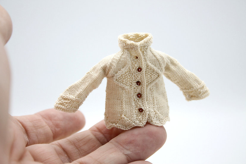Queen Elizabeth Cardigan-Cotton