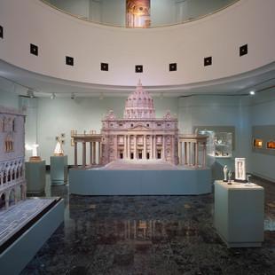 Design, Naples Museum of Art, Naples Fl.  2003