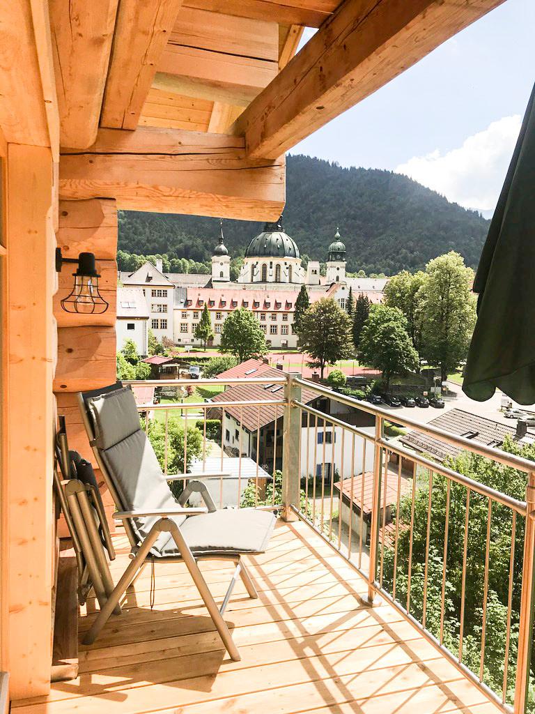 Livingroom Balkony