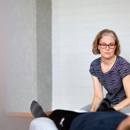 Mitä on psykofyysinen fysioterapia ja kuka voi hyötyä siitä?