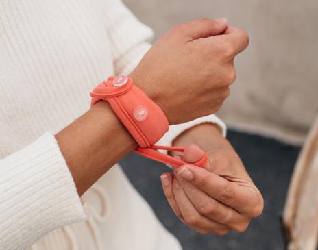 Handy Band Face Mask Bracelet Easy Application